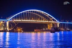 Подсветка арки Крымского моста 1