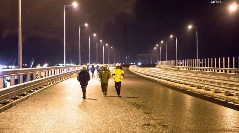 Освещение Крымского моста