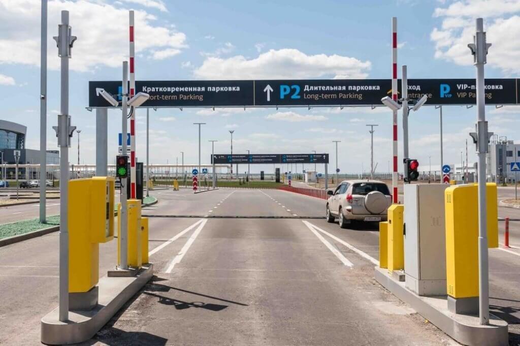 Парковка нового терминала Аэропорта Симферополь 3