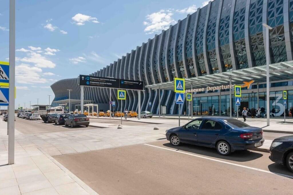 Парковка нового терминала Аэропорта Симферополь 5