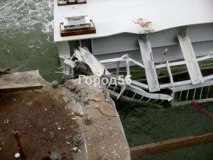 Крымский мост упал в море