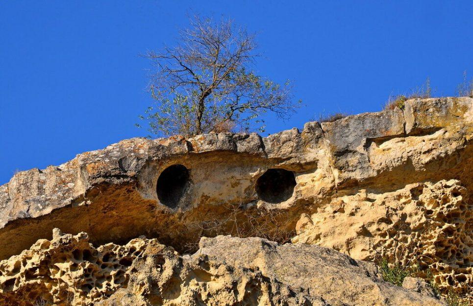 фрагменты пещерного храма